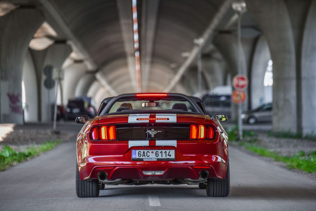 Prenajom americkych aut Mustang Cabrio Tunel 9086