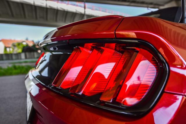 Požičaj si ma! Mustang Cabrio Bratislava