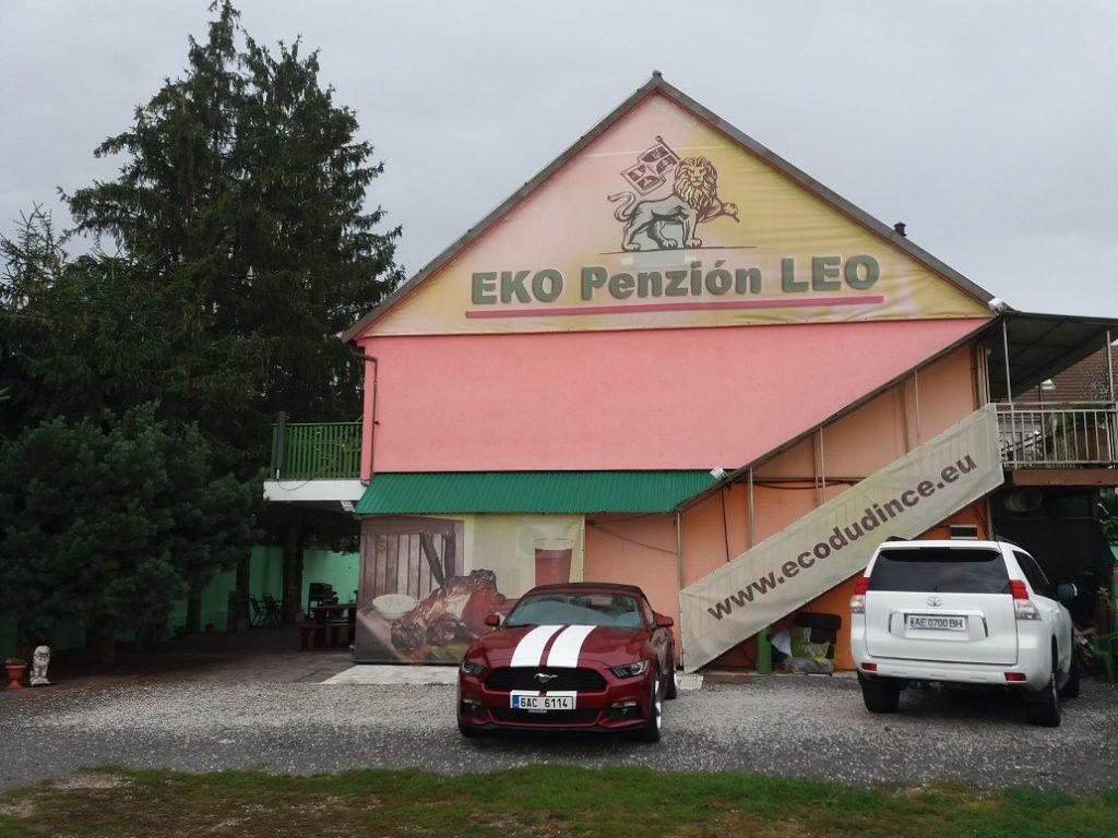 Slovenska Route 66  - Mustang Cabrio Penzion LEO