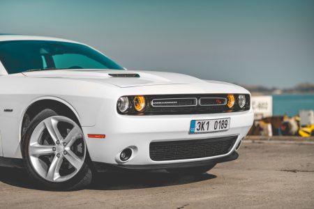 Dodge Challenger 5.7 HEMI V8